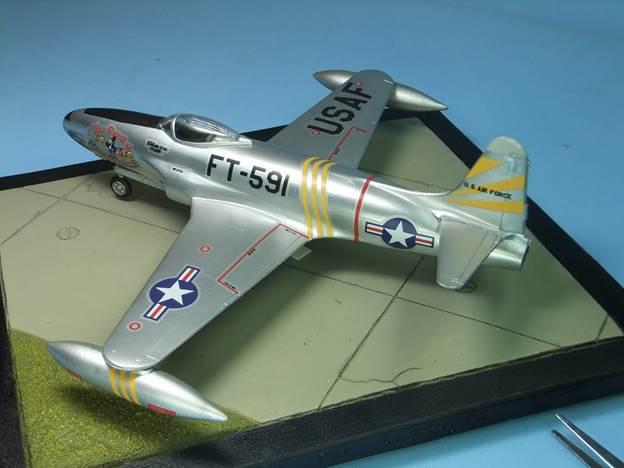 Модел на самолет
